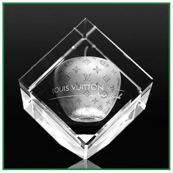 Cube de verre pan coupé avec gravure laser 2d 3d