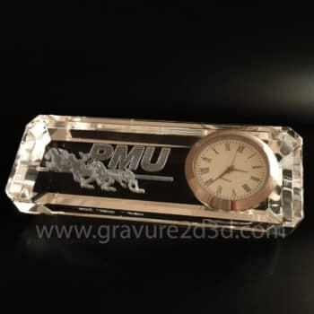 horloge en verre gravé